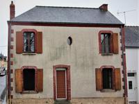 Maison avec 2/3 chambres au centre de Renazé
