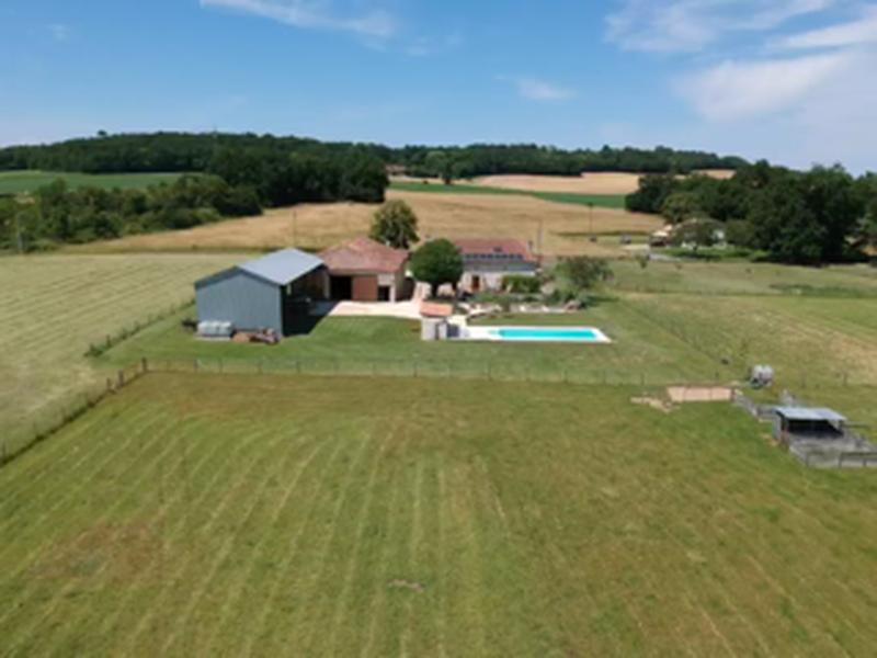Maison à vendre à AUBETERRE SUR DRONNE(16390) - Charente