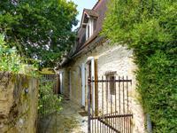 houses and homes for sale inMOUZENSDordogne Aquitaine
