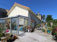 French property for sale in ST SAVIOL, Vienne - €130,800 - photo 1