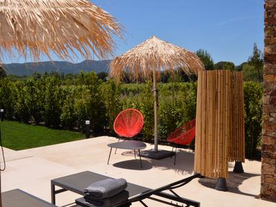 Grimaud, Ultra modern Family Villa with Pool in private Domaine