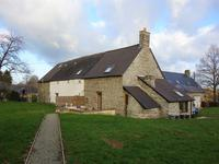 French property for sale in LASSAY LES CHATEAUX, Mayenne - €119,900 - photo 2