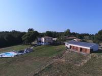 French property for sale in BAYAS, Gironde - €850,000 - photo 7