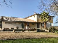 French property for sale in BAYAS, Gironde - €850,000 - photo 3