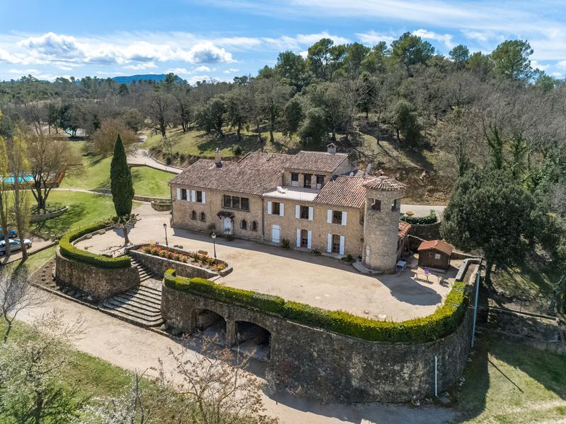 Chateau à vendre à COTIGNAC(83570) - Var