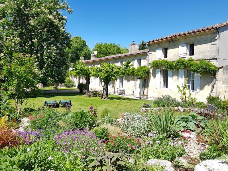 Commerce à vendre à BOURG(33710) - Gironde