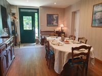 French property for sale in CHEVANCEAUX, Charente Maritime - €230,000 - photo 5