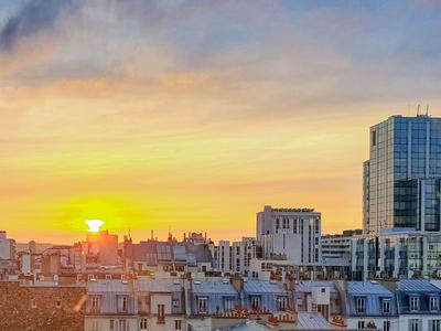 Paris 15ème, Metro Sèvres Lecourbe. 81m² Apartement with Eiffel Tower View, T4, 4 rooms (2 Bedrooms)  NOT OVERLOOKED, EXCEPTIONLY CALM, BRIGHT, with reduced mobility access.
