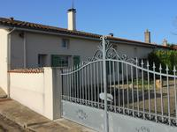 French property for sale in ST FRAIGNE, Charente - €189,000 - photo 2