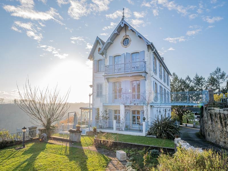 Chateau à vendre à JURANCON(64110) - Pyrenees Atlantiques