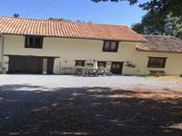 Maison de campagne avec 4 chambres, 2,8 hectares et un petit lac.  Position privée - Périgord Vert
