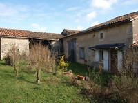 French property for sale in MONTJEAN, Charente - €46,000 - photo 4