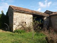 French property for sale in MONTJEAN, Charente - €46,000 - photo 5