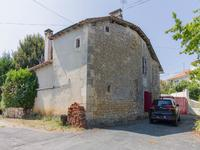 houses and homes for sale inLA TOUR BLANCHEDordogne Aquitaine