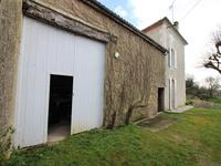 French property for sale in JAULDES, Charente - €189,000 - photo 3