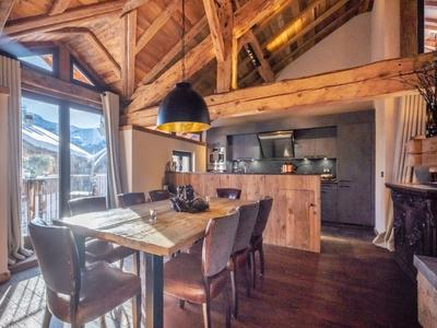Incredible 4 bedroom ski chalet oozing luxury, rustic charm for sale in the sought-after village of Villarabout, just 1 km from Saint Martin de Belleville and 3 Valleys ski links, an unmissable investment opportunity.