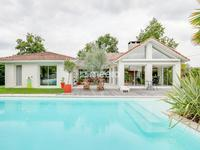 French property, houses and homes for sale inLE PIAN MEDOCGironde Aquitaine