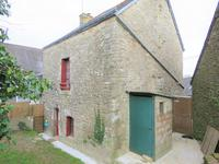 French property for sale in CRUGUEL, Morbihan - €92,500 - photo 3