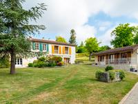 French property for sale in VOUHARTE, Charente - €371,000 - photo 2