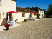 French property for sale in ST HILAIRE DE VILLEFRANCHE, Charente Maritime - €673,100 - photo 5