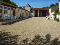 French property for sale in ST HILAIRE DE VILLEFRANCHE, Charente Maritime - €673,100 - photo 2