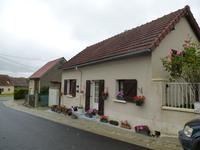French property, houses and homes for sale inBAZAIGESIndre Centre