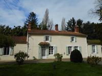 French property, houses and homes for sale inLA CAILLERE ST HILAIREVendee Pays_de_la_Loire