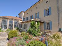 French property for sale in APT, Vaucluse - €954,000 - photo 3