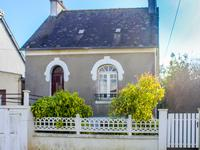 houses and homes for sale inCARHAIX PLOUGUERFinistere Brittany