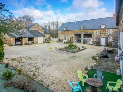 A fantastic business opportunity; a large courtyard awaits as you drive on to reveal three delightful buildings of the old mill; Balleroy.