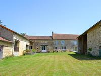 French property for sale in ST MARTIN DU CLOCHER, Charente - €355,000 - photo 1