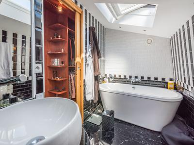 Hôtel Particulier en parfait état - style Art Déco - Proche Henri Martin, Porte de la Muette, avenue Foch et Bois de Boulogne
