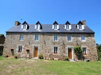 houses and homes for sale inPLOUGASNOUFinistere Brittany