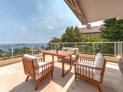 Cannes Croix des Gardes - Splendid apartment in the hills of Croix des Gardes with a beautiful sea view and a pool