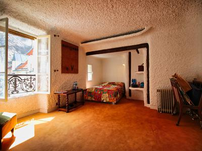 3 bed top floor apartment in a 18th century building next to the Pantheon