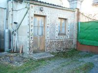 French property for sale in CHERAC, Charente Maritime - €81,750 - photo 2