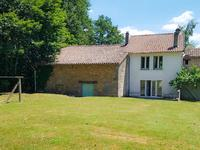 French property for sale in MONTROLLET, Charente - €89,000 - photo 2