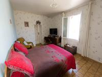 French property for sale in BRIGUEIL LE CHANTRE, Vienne - €108,900 - photo 4