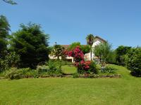 French property for sale in BOURG, Gironde - €328,600 - photo 7