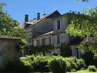 French property for sale in , Charente Maritime - €689,000 - photo 2