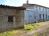 French property for sale in NANTEUIL EN VALLEE, Charente - €36,600 - photo 3