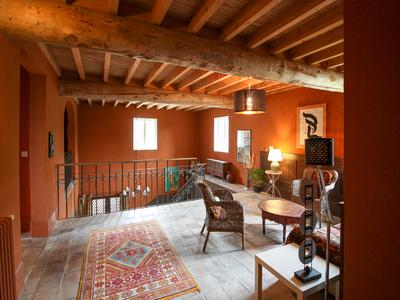 Beautiful old stones mas amidst lavender fields, fabulous views, B&B possible, with pool and big garage.