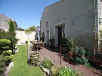 French property for sale in VARAIZE, Charente Maritime - €246,100 - photo 1