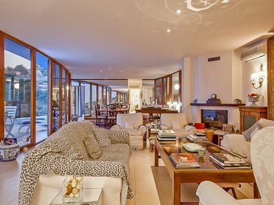 EZE - SAINT LAURENT. Modern villa, 5 beds, pool, stunning sea views.