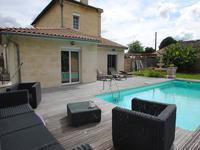 French property for sale in town, Gironde - €787,500 - photo 3