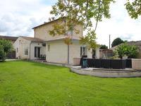 French property for sale in town, Gironde - €787,500 - photo 2