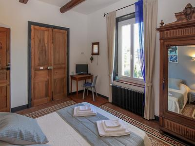 Near Beziers and close to St Chinian renovated winemaker's house with B&B and Gite (2) business, Pool and lovely grounds