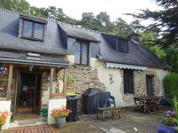 French property for sale in TREAL, Morbihan - €104,500 - photo 2