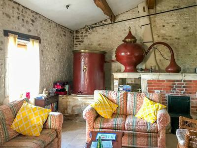 Beautiful, detached, fully renovated Maison de Maître with 4 bedrooms plus 2 gites. Heated pool, extensive gardens and a stone barn close to the medieval town of 17800 Pons, Charente Maritime!