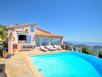 Provençal villa in Le Trayas with the most spectacular, panoramic, rooftop-of-the-world sea view that one could ever ask for - only 20 km from the heart of Cannes and 45 km from Nice airport.